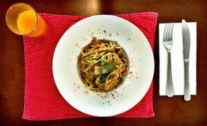 Guilherme: Spaghetti da horta com suco de bergamota.