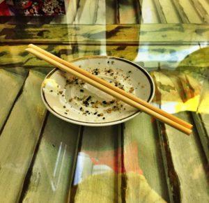 Sim, a gente admite, a fome foi maior e comemos o sunomono antes de tirar a foto :D