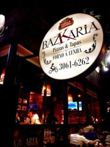 Ambiente externo da Bazkaria.